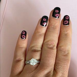 Woman's beautiful 925  simulated diamond size 8